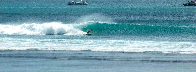 Tuban - zee - surfen