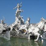 Chariot standbeeld Tuban