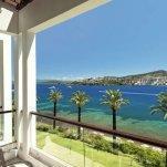 Hotel Baia Bodrum - balkon met zeezicht
